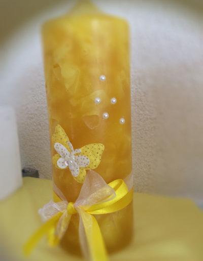 Kerze Gelb mit Schmetterling