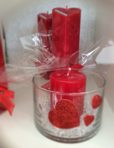 Kerze Rot mit Herzen im Glas